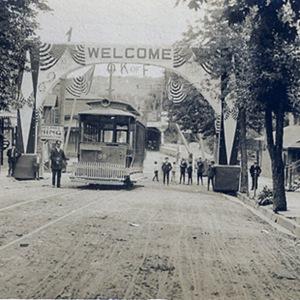 Lehigh Valley Transit trolley in lower Slatington
