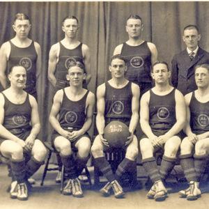"Basketball Team, 1921-22 ""AL 16"""