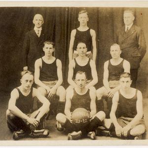 "Slatington Basketball Team, 1921-22 ""Premiere"""