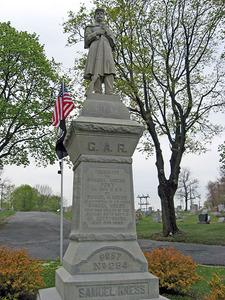 GAR Monument 2 web.jpg