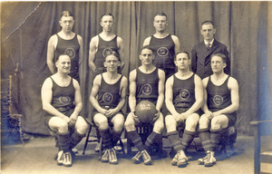 "Basketball Team, 1921-22 ""AL 16"""
