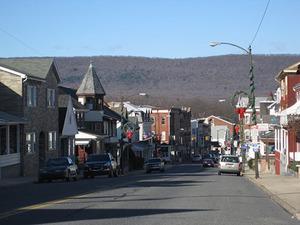 370 Upper Main Street web.jpg